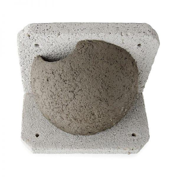 Zwaluwen huiszwaluwen nestkast links vooraanzicht
